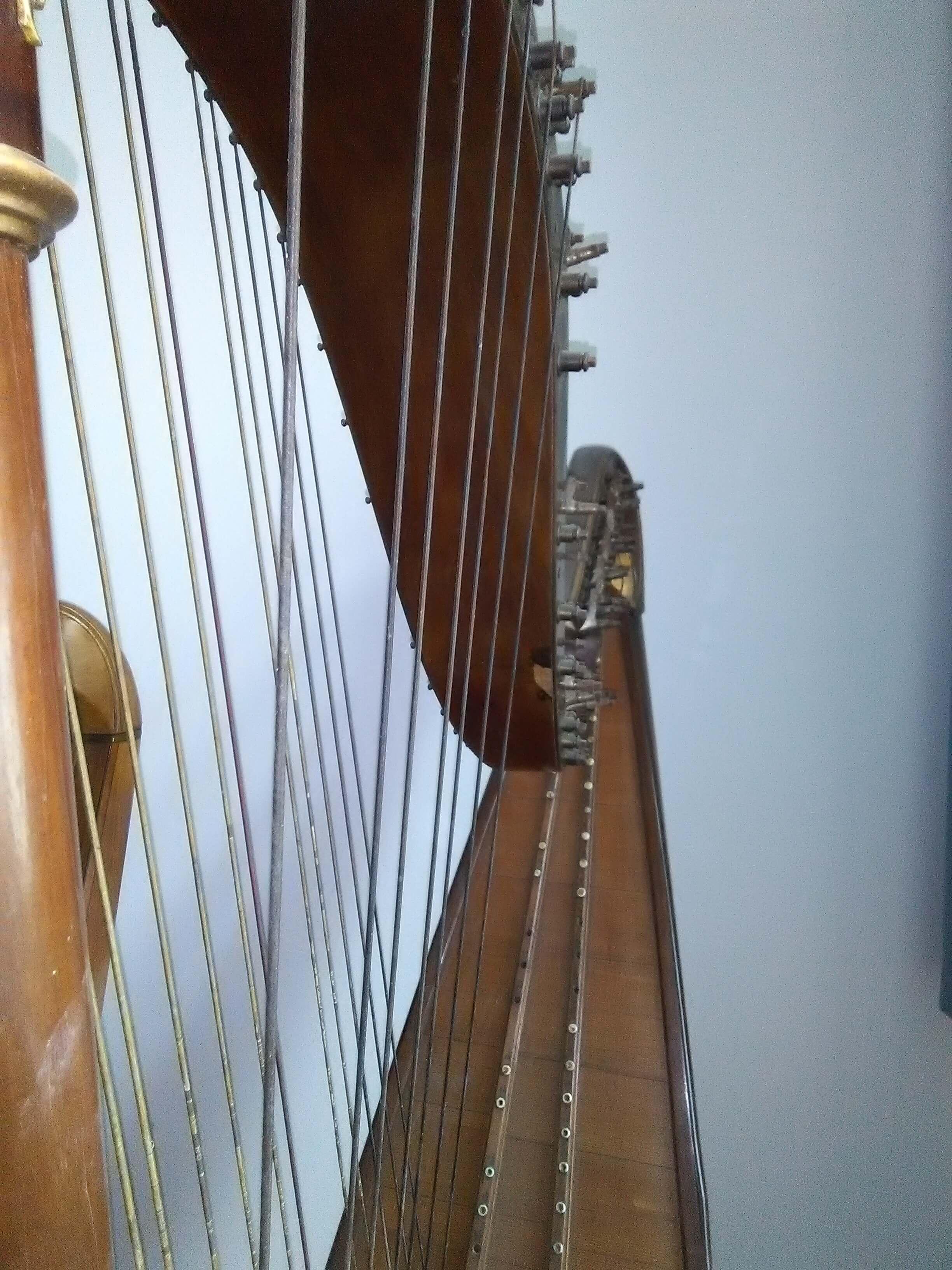 Pleyel-Harfe (1)
